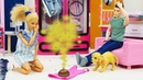 Барби ругает Кена, потому что он не убирается дома. Видео для девочек про жизнь куклы Барби