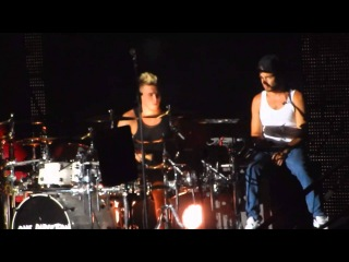 One Direction - More than This - HD 20/10/13 Brisbane