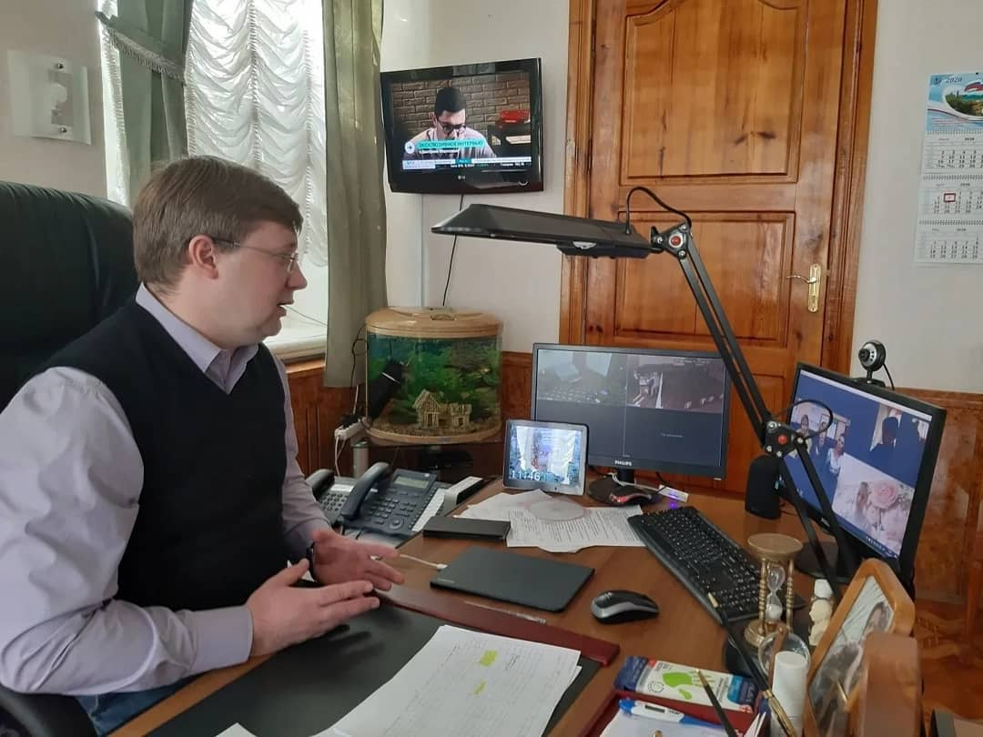 Глава Петровского района в формате видеосвязи ответил на вопросы активистов бизнес-сообщества города