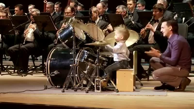 Лёня Шиловский маленький барабанщик