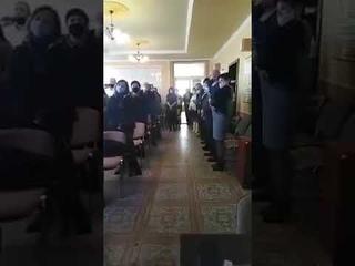Началось! - в Закарпатье депутаты после присяги вместо украинского поют гимн Венгрии