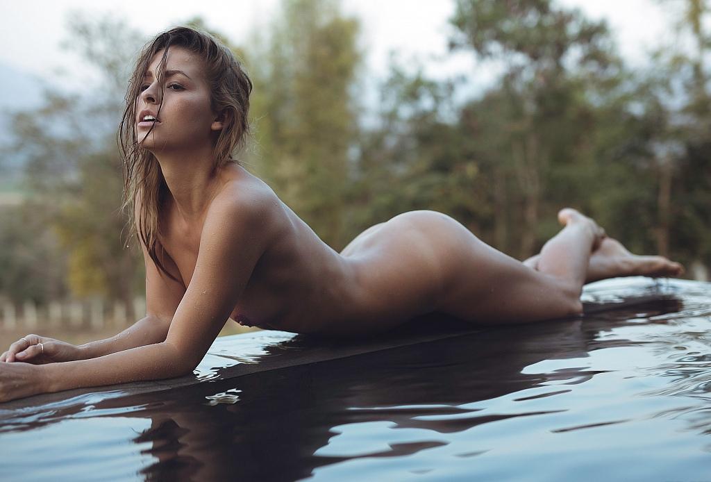 Mariska hargitay naked pictures