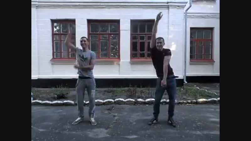 Parni klassno tantsuyut (MosCatalogue.net).mp4