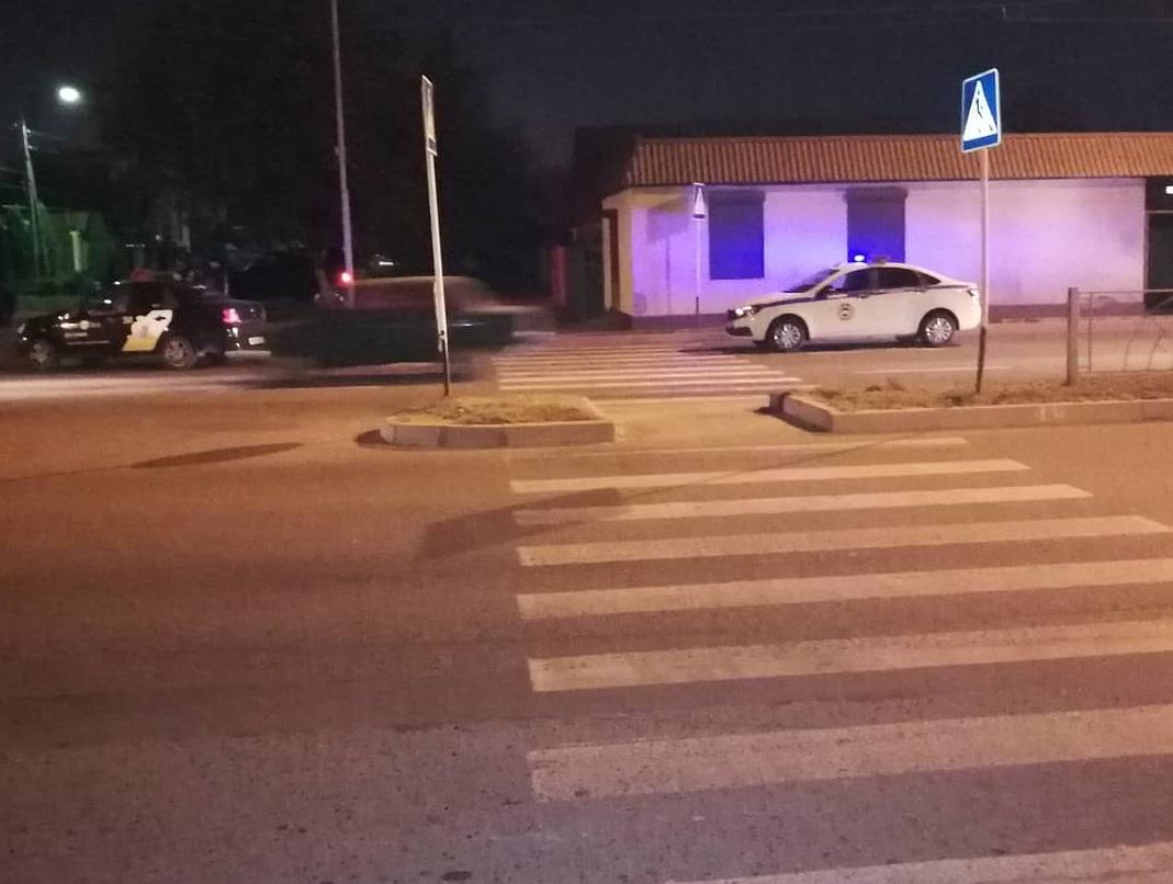 В КЧР таксист сбил женщину на пешеходном переходе