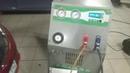 Процесс заправки кондиционера фреоном и замена масла.