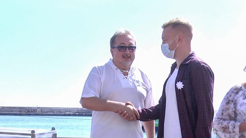 Отель Yalta Intourist поддержал благотворительную акцию «Белый цветок», изображение №3