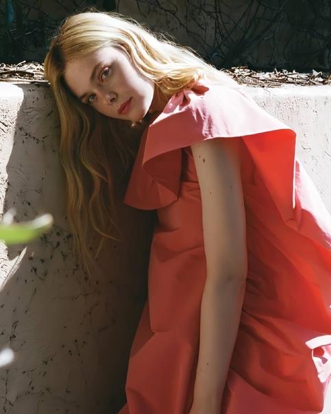 Красотка Эль Фаннинг в фотосессии для свежего выпуска журнала C