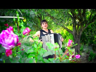 Madonna La Isla Bonita - New Modern Accordion - Cover by LMJM