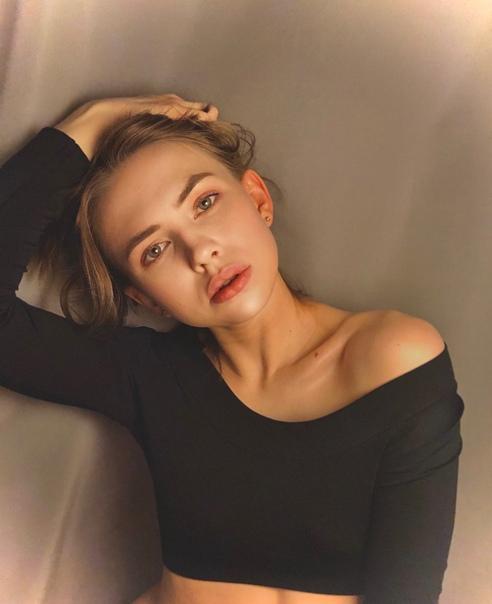Яна Енжаева, сериал «Легко ли быть молодым?»
