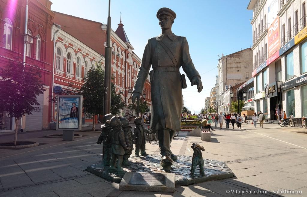 Памятник Дяде Степе на арбате в Самаре 2020