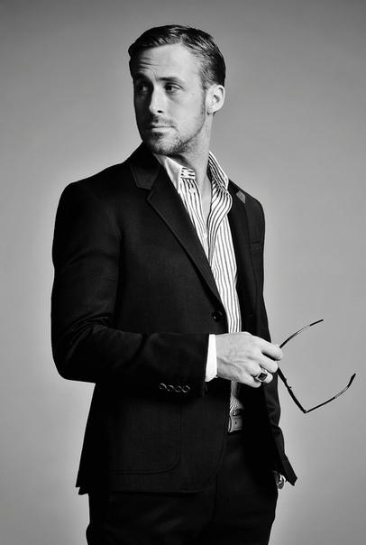 Райану Гослингу 40 Лучший друг Харрисона Форда, романтик, любитель драйва, экономист, суперкоп, непутевый частный детектив и много кто еще всё это он.Ну, что больше всего любите в его