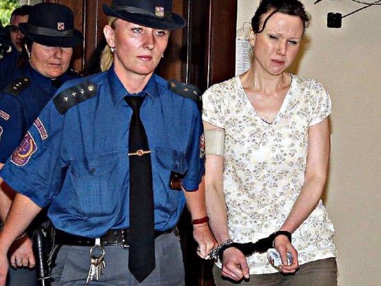 Клара Майорова В 2008 году в Чехии Клара Майорова была арестована после того, как было обнаружено, что она со своей любовницей и с братьями по культу ели плоть живых сыновей Клары. Женщина