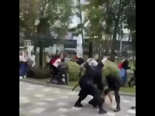Власти Беларуси решили сегодня провести для студентов открытый урок по Обществознанию.