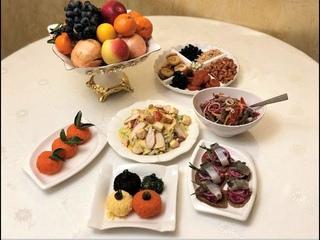 Необычные рецепты на новогодний стол. 2 салата, 2 закуски.