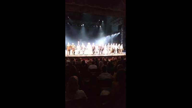 Овации за прекрасную актерскую и режиссерскую работу спектакля Сирано де Бержерак на сцене Алекандрийского театра💓🌼💓🌼
