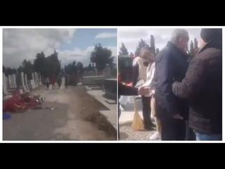 """Переполох в Азербайджане: цветы с могил """"шехидов"""" оказались в мусорке"""