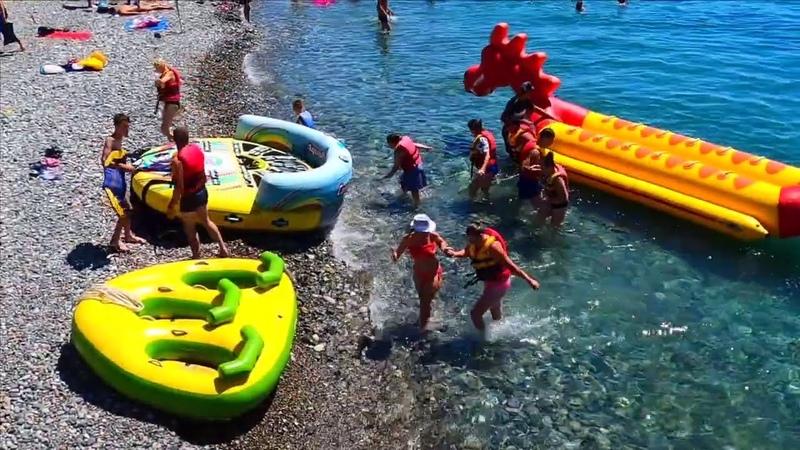 ЖАРА Лазаревское 2020 сегодня Пляж Центральный Сколько же народу на пляже днем? Пляжи Сочи 2020