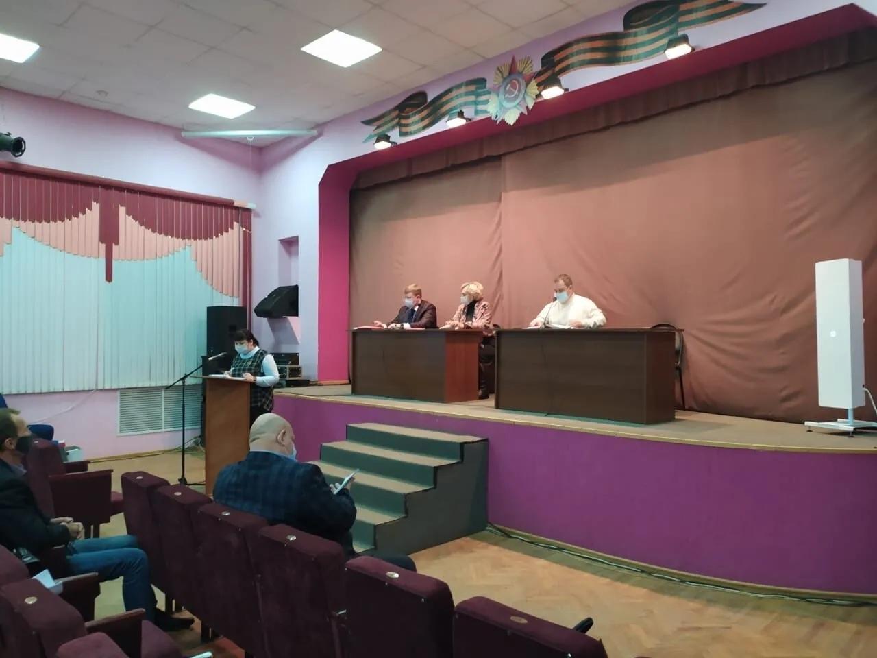 Депутаты городского Совета Петровска приняли к рассмотрению проект бюджета на предстоящий год