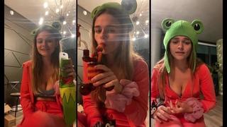 MEGAN NUTT tiktok girl is very hot in instagram stream - Instagram Live ()