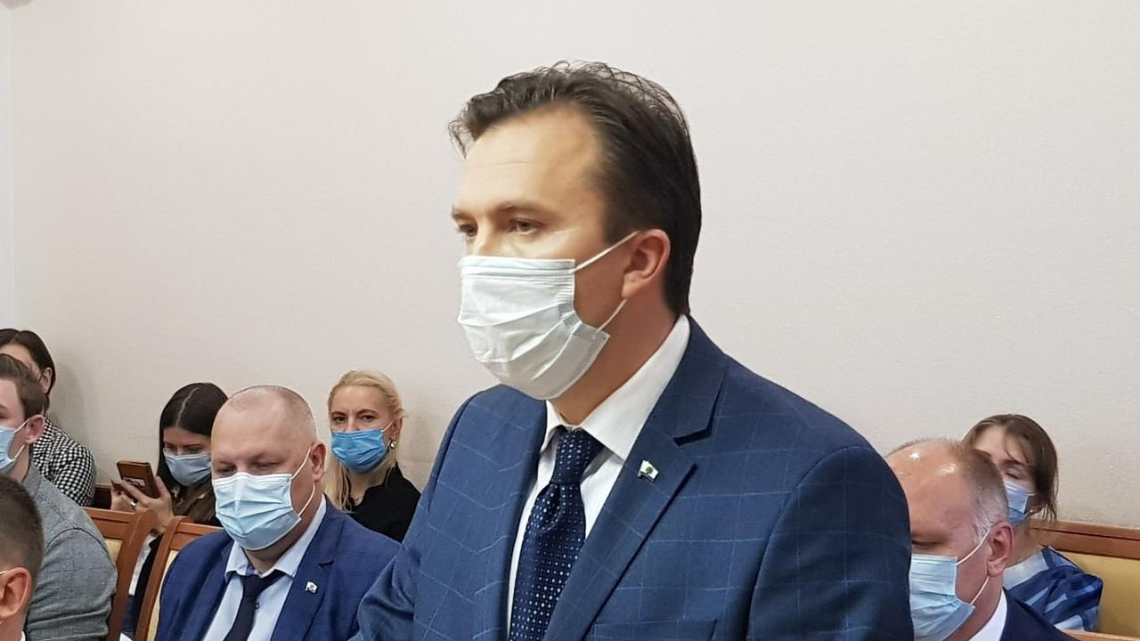 На внеочередном заседании городского совета Главой городского округа Дубна избран Сергей Куликов