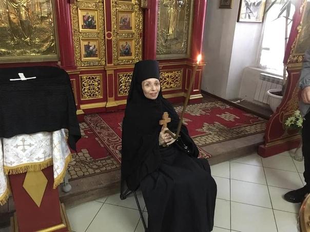 Узнав о своей смертельной болезни, врач ушла в монастырь Костлявая настигла ее и тамПосле продолжительной болезни, в возрасте 48 лет ушла из жизни известный костромской врач-пульмонолог Дядина.