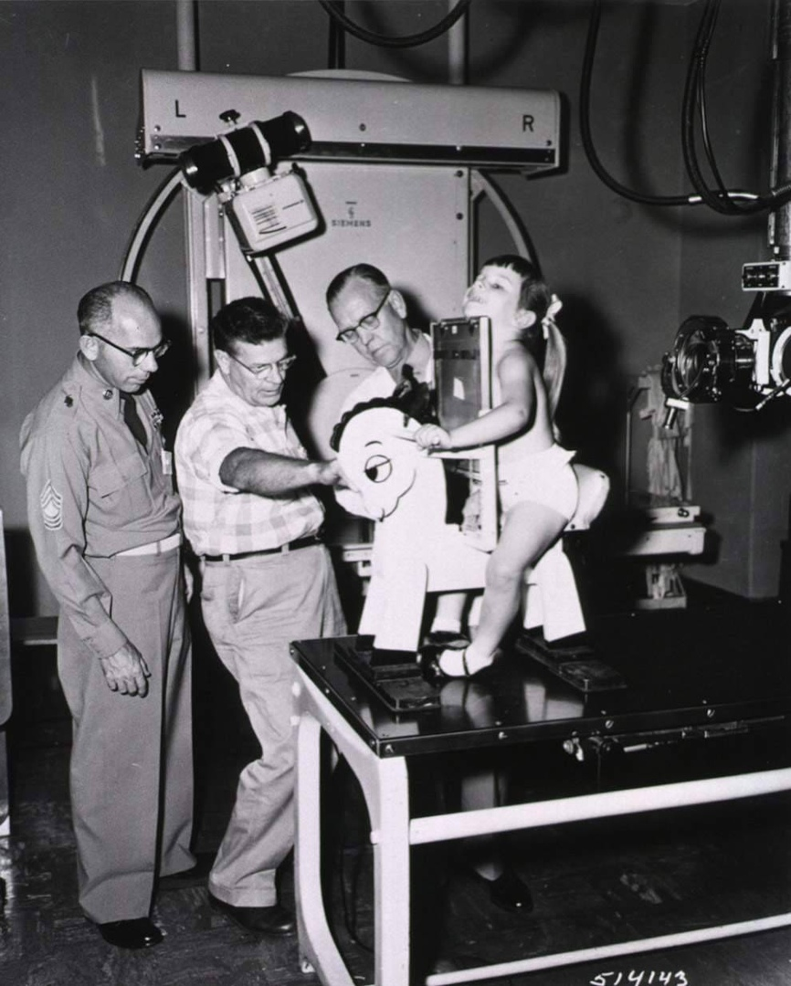 Игрушечная лошадка для рентген–снимков детей, США, 1957 год.