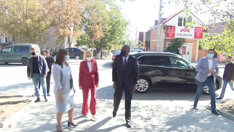 LIVE Посольство США дарит бесконтактные термометры детсадам Гагаузии