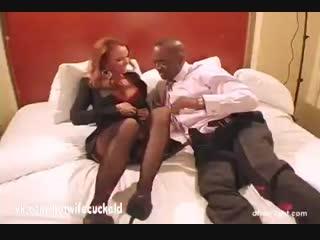 Эффектная зрелая hotwaif трахается с негром Spectacular mature hotwaif fucks black man