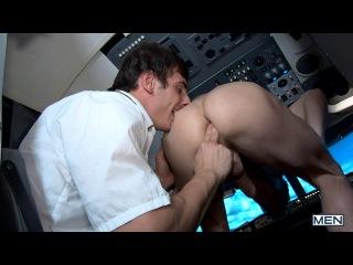 Darius ferdynand и mario torrez на борту самолета /  darius ferdynand and mario torrez on board the aircraft
