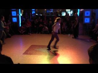 Dance or die/Top 16 B-girls: Kate(KCB) VS Taya