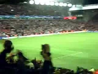 Supporters of Liverpool FC and FC Barcelona (06/03/2007).