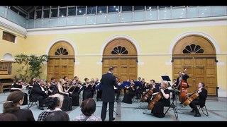 """Камерный оркестр """"Московская камерата"""" (В.А.Моцарт  """"Симфония No 40"""")"""
