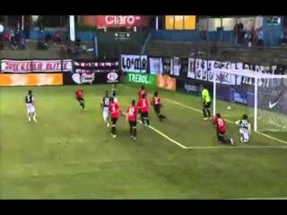 Richard Ortiz scored an incredible overhead volley for Libertad v Deportivo Santani 2015