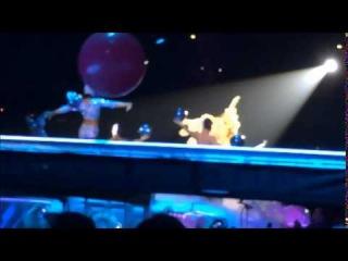 ARTPOP & . на «artRAVE: The ARTPOP Ball» (27 сентября)