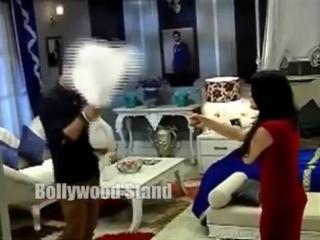 Meri-Aashiqui-Tum-Se-Hi--Ranveer-Ishani-Hot-Romance-in-Bedroom()