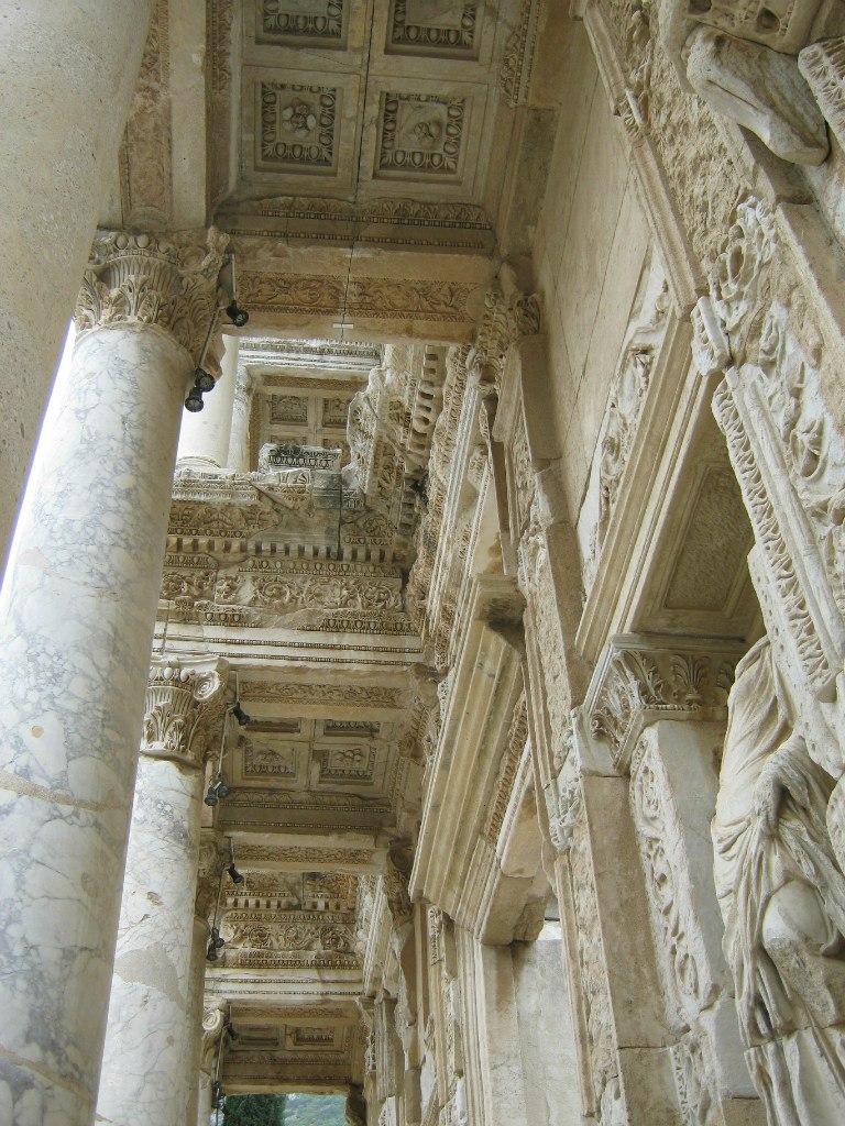 библиотека древнего города Ефес