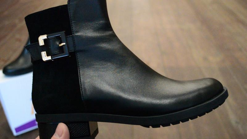 Женские кожаные зимние ботинки Paolo Gianni