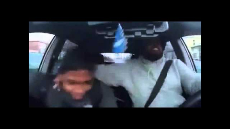 Insane reacton: driver gets crazy when hears the beat!