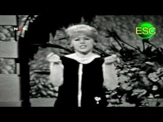 ESC 1961 16 - Italy - Betty Curtis - Al Di Là