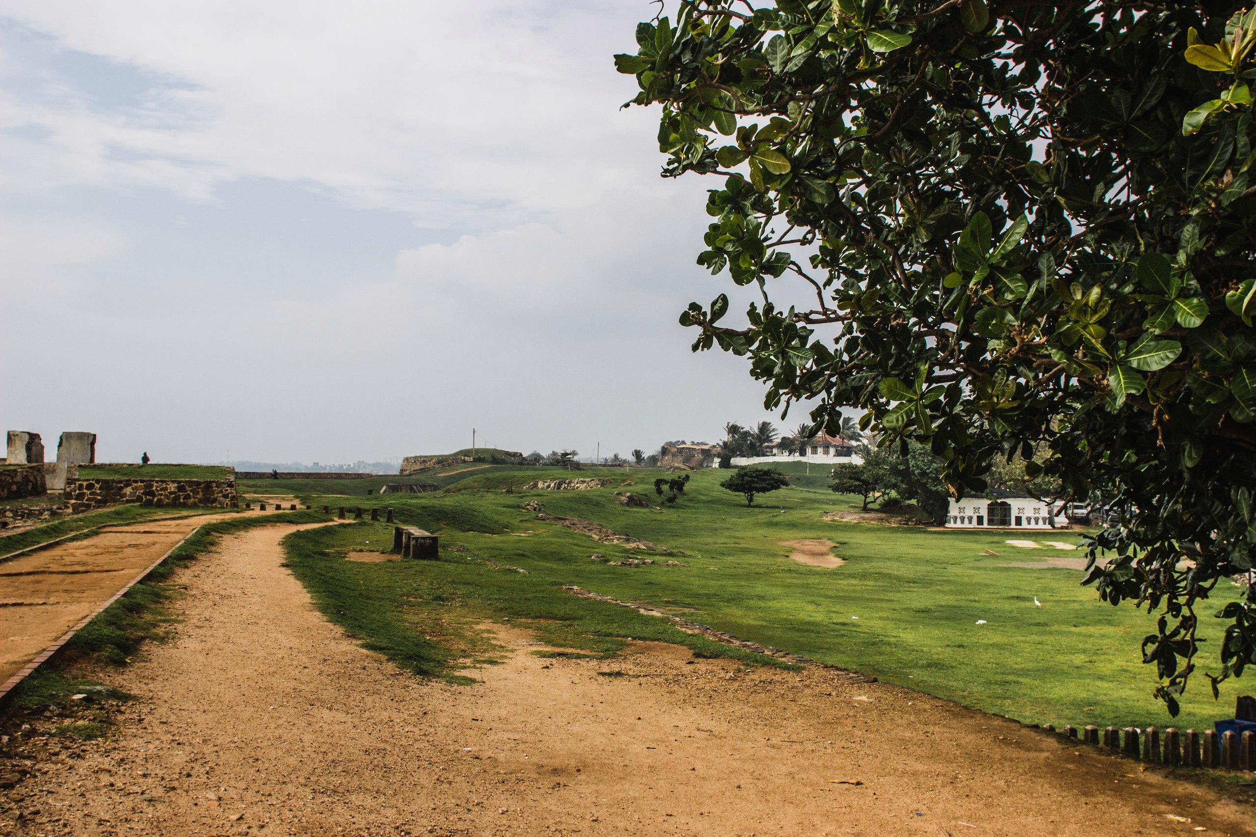 Форт Галле, немного в стороне от туристических троп