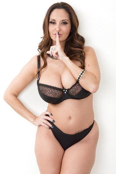 Супер зрелые попки женщин в годах, фото красивые девушки с пышной грудью