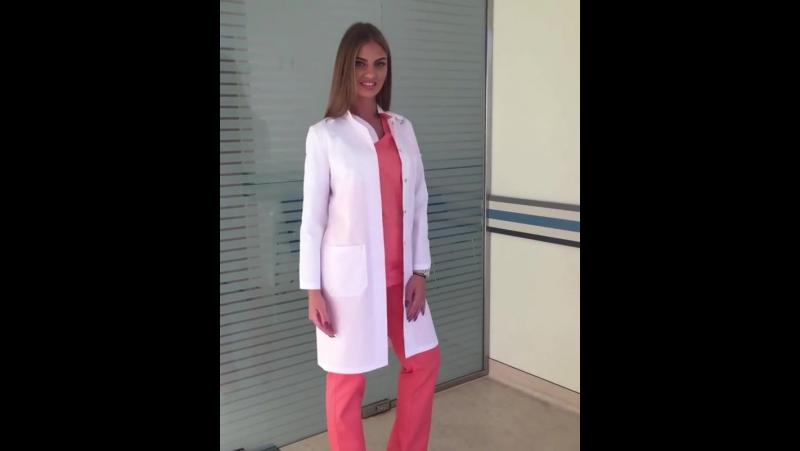Хирургический костюм и медицинсий халат