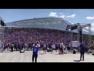 Это 30000 исландских болельщиков. И они уже вовсю завоёвывают Москву