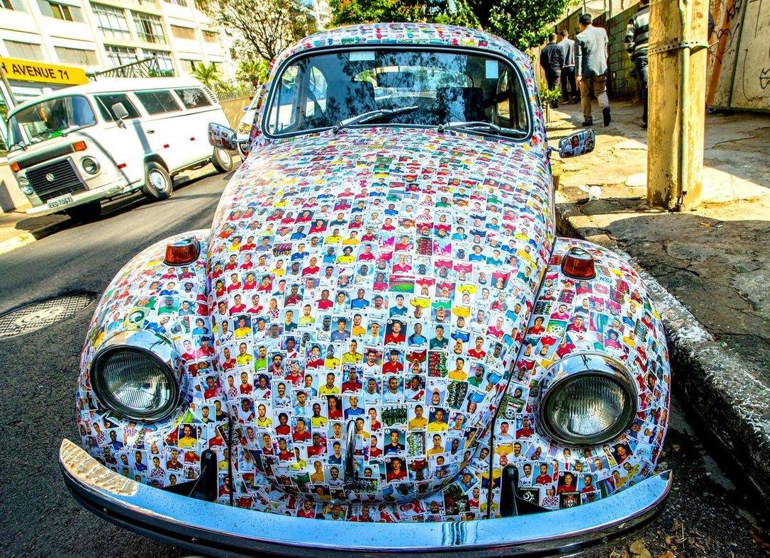 Мы любим жевательные резинки и футбол: Бразильский авто цвета наклеек от жвачек