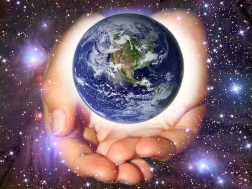 Запомни раз и навсегда: всякое существо рождается для того, чтобы познавать мир. А не для того, чтобы всем в этом мире понравиться.