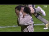 Гол Роналдиньо в ворота Челси в 2005 году