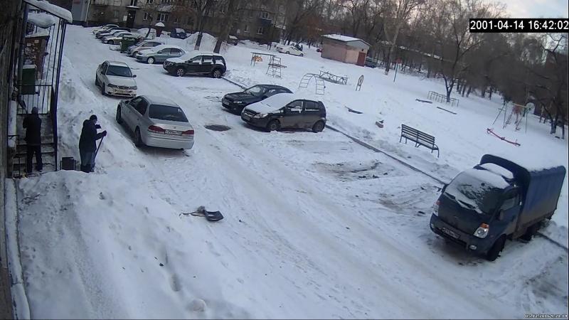 ВашГород.ру упал снег с крыши козырька