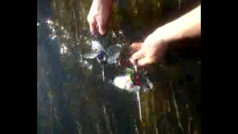 Видео 3 и 4 лопастные винты УРАВВС свободно вращаются в воде.