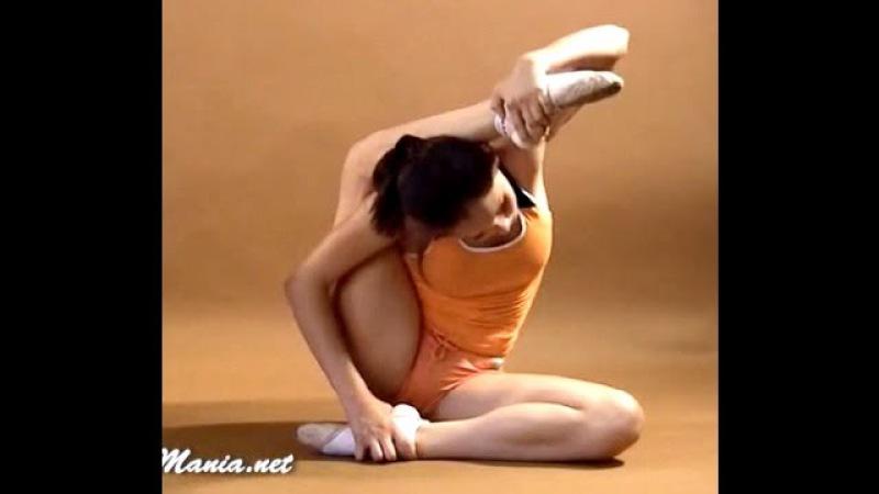 Gymnastic Stretch Flexibility flex Amazing Contortionist   Extreme contortion Flexilady model yoga