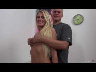 Юная красавица отдалась пожилому мужчине   секс за деньги, кастинг, домашнее, малолетка, школьница